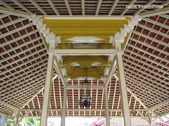 atap pendopo Surolayan