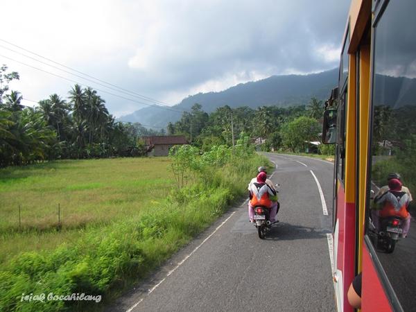 jalan menuju Taman Nasional Bukit Barisan Selatan