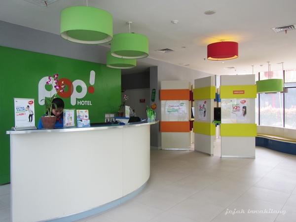 Front Office POP! Hotel BSD City