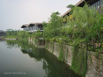 danau buatan di The Breeze - BSD