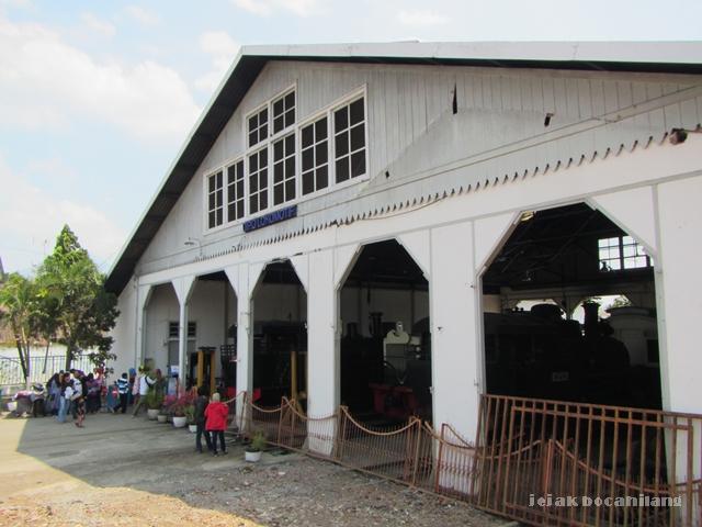 gerbang masuk Museum Kereta Api Ambarawa