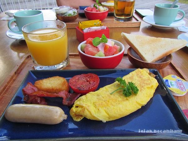 breakfast GrandMas Seminyak Bali