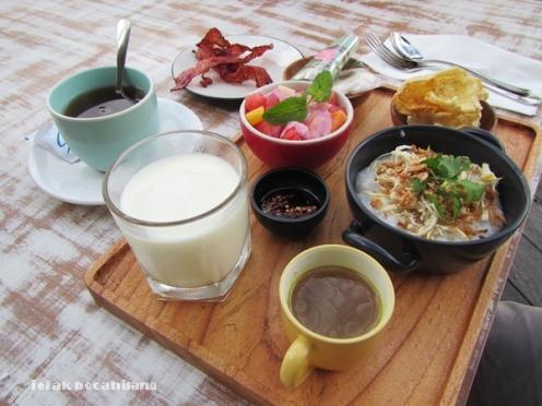 Breakfast Hotel Grandmas Seminyak
