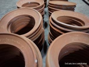 penopang kompor dari tanah liat Nglipoh