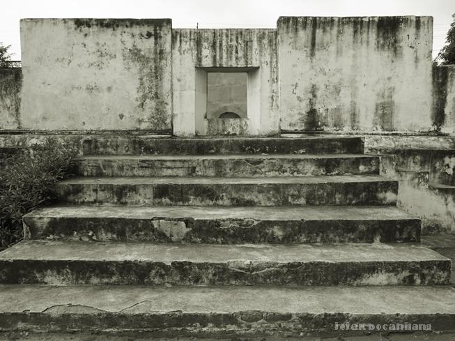 tangga bagian belakang Pesanggrahan Warungboto