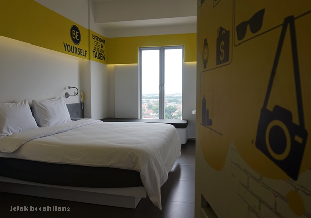 Yello Room