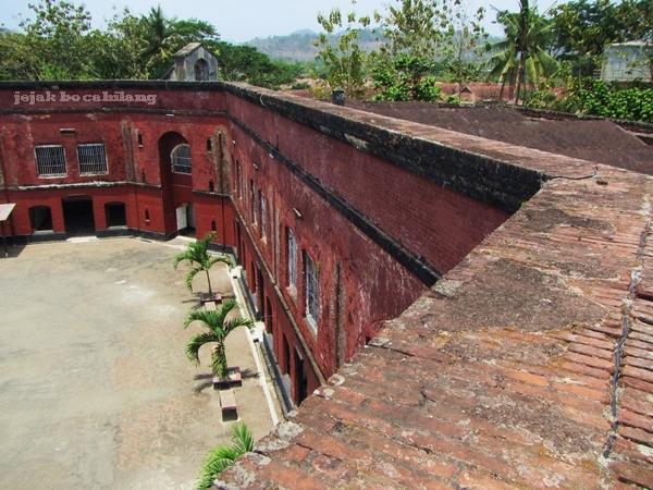atap Fort Cochius