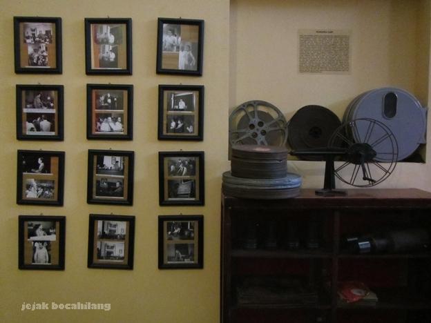 koleksi roll pita film di Museum Malang Tempo Dulu