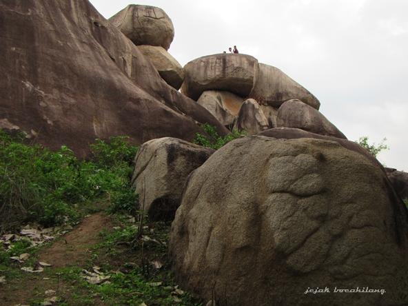Batu-batu granit raksasa di Tanjung Bintang