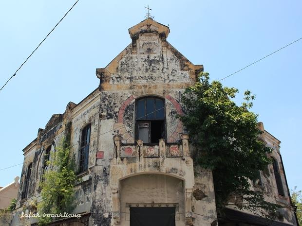 Spiegel building before restoration 2013