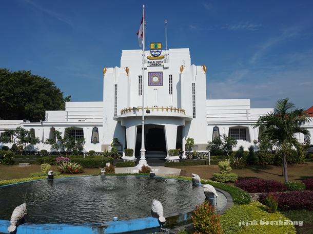 Balai Kota Cirebon, Raadhuis rancangan H.P. Hamdl dan C.F.H. Koll ( 1927 )