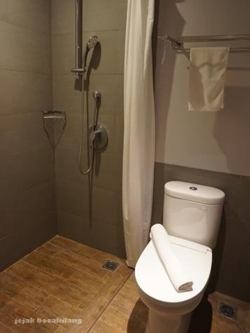 hot and cold shower_Hotel Batiqa