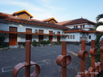 Kantor Pos Cirebon sekaligus Titik Nol Cirebon, dibangun tahun 1906