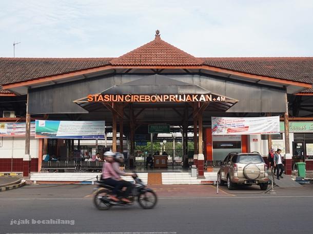 Stasiun Cirehon Prujakan dibangun SCS tahun 1911