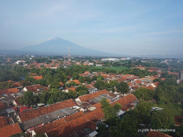Gunung Ceremai dari Hotel Batiqa Cirebon