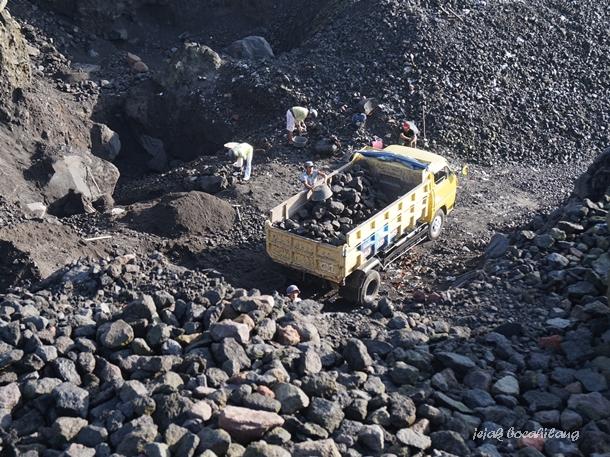 penambang batu dan pasir