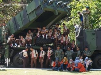 kendaraan perang TNI AD