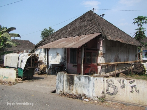 rumah dinas Pabrik Gula Tasikmadu