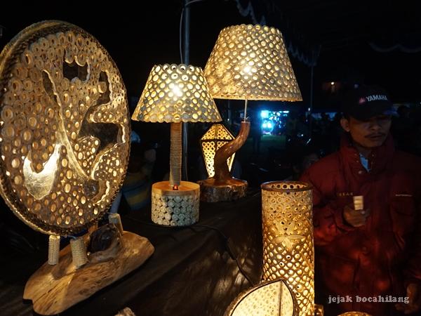Stefanus Indri - pengrajin limbah bonggol jagung