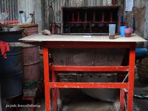 mesin pencetak kue keranjang