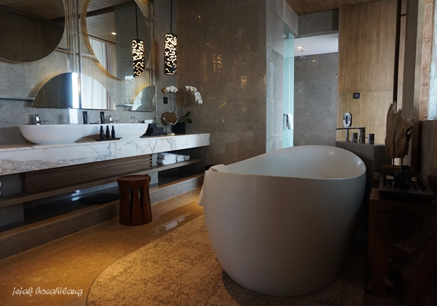 bathroom Presidential Suite Alila Solo