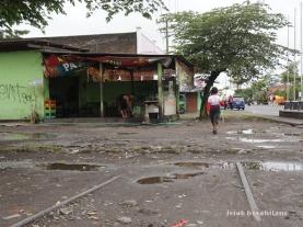 sisa rel di Jalan Magelang Yogyakarta