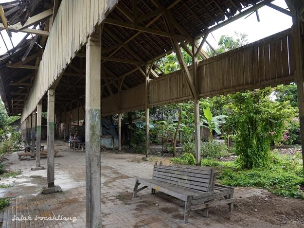 ruang tunggu Stasiun Lasem