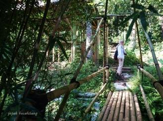 jembatan bambu Boonpring
