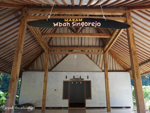 makam mbah Singoredjo Andeman