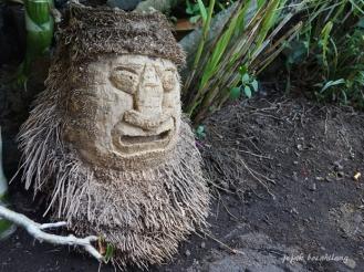 ukiran akar bambu ori