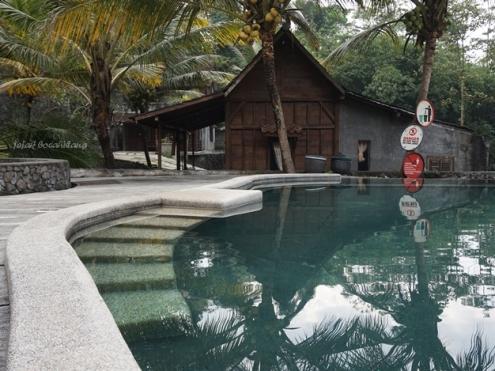 kolam renang Kampung Lumbung
