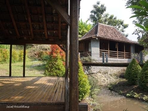 villa Kampung Lumbung