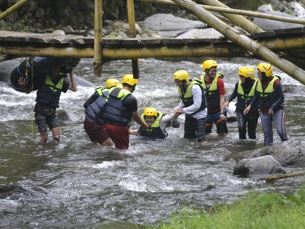 river tubing di Ledok Amprong Gubugklakah