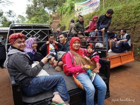 kendaraan Bukit Tranggulasih