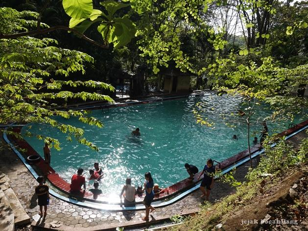 Kolam Renang Di Wisata Batu Seribu Jejak Bocahilang