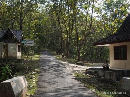Wisata Batu Seribu Sukoharjo