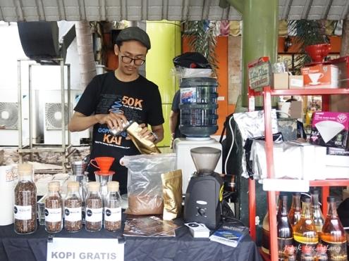 kopi seduh di Stasiun Gambir