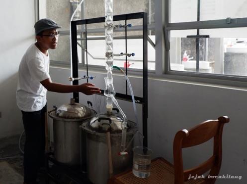 proses penyulingan distilasi minyak atsiri