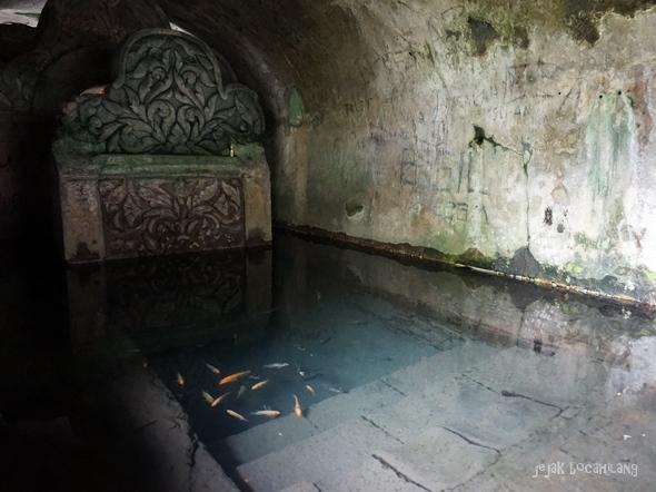 kolam di Situs Gua Seluman