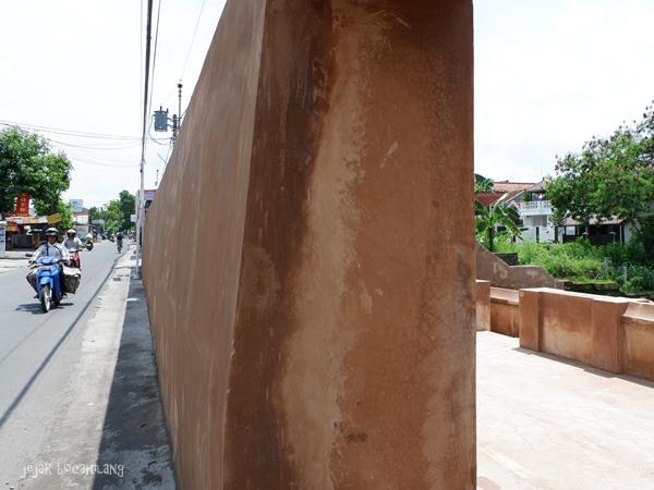 tembok Situs Gua Seluman
