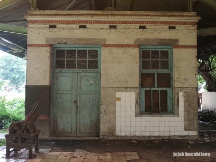 bangunan barat Stasiun Kudus
