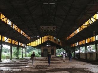 peron Stasiun Kudus